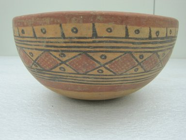 <em>Bowl</em>, 800-1200. Ceramic, pigments, 4 3/4 x 10 3/16 x 10 in. (12.1 x 25.9 x 25.4 cm). Brooklyn Museum, Alfred W. Jenkins Fund, 34.3203. Creative Commons-BY (Photo: Brooklyn Museum, CUR.34.3203_view1.jpg)