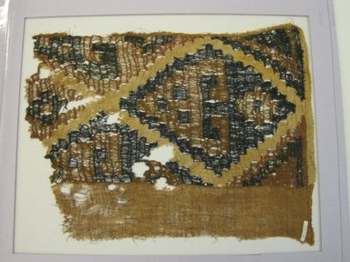 Chimú. <em>Textile Fragment, undetermined</em>, 1000-1532. Cotton, (49.0 x 39.0 cm). Brooklyn Museum, George C. Brackett Fund, 34.573. Creative Commons-BY (Photo: Brooklyn Museum, CUR.34.573.jpg)