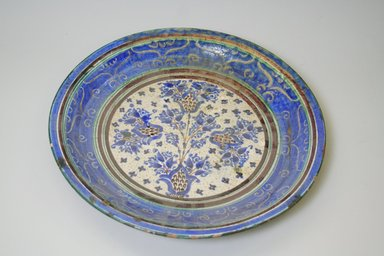 <em>Large Plate</em>, 19th century. Ceramic, 1 7/8 x 13 7/8 in. (4.8 x 35.2 cm). Brooklyn Museum, Brooklyn Museum Collection, 35.1919. Creative Commons-BY (Photo: Brooklyn Museum, CUR.35.1919.jpg)