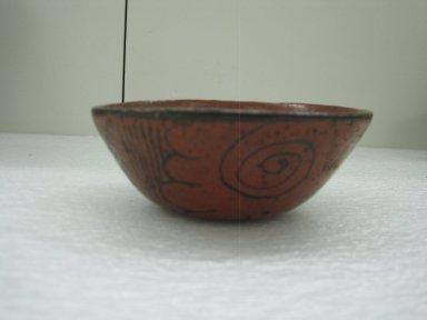 Aztec. <em>Bowl</em>, ca. 1325-1500. Ceramic, pigment, 2 3/16 x 5 1/2 x 5 1/2 in. (5.5 x 14 x 14 cm). Brooklyn Museum, Carll H. de Silver Fund, 36.592. Creative Commons-BY (Photo: Brooklyn Museum, CUR.36.592_view1.jpg)