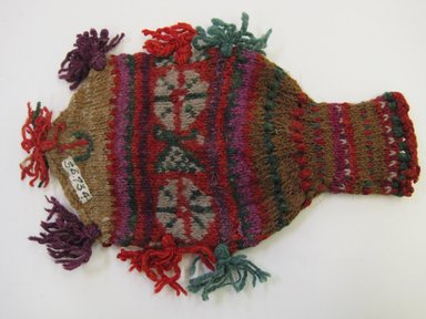 Peruvian (unidentified). <em>Bag with Fringes</em>, ca. 1936. Wool, 5 1/8 x 7 7/8 in. (13 x 20 cm). Brooklyn Museum, Gift of Dr. John H. Finney, 36.734. Creative Commons-BY (Photo: , CUR.36.734.jpg)