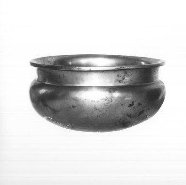 <em>Bowl</em>, 664-332 B.C.E. Bronze, 2 11/16 x Diam. 5 5/16 in. (6.8 x 13.5 cm). Brooklyn Museum, Charles Edwin Wilbour Fund, 37.1546E. Creative Commons-BY (Photo: Brooklyn Museum, CUR.37.1546E_print_neg_37.1538E_grpA_bw.jpg)