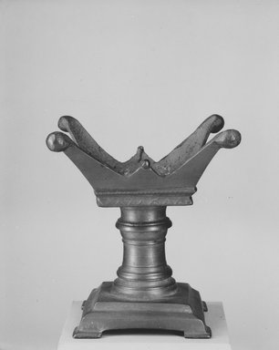 <em>Altar</em>. Bronze, 5 11/16 x 3 1/8 x 3 1/8 in. (14.5 x 8 x 8 cm). Brooklyn Museum, Charles Edwin Wilbour Fund, 37.1613E. Creative Commons-BY (Photo: Brooklyn Museum, CUR.37.1613E_NegA_print_bw.jpg)