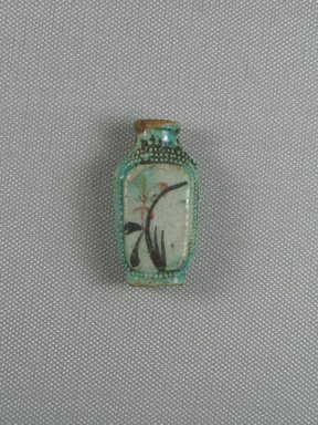 Chinese. <em>Snuff Bottle</em>, 19th century. Porcelain (probably), 1 13/16 x 3/4 x 15/16 in. (4.6 x 1.9 x 2.4 cm). Brooklyn Museum, Charles Edwin Wilbour Fund, 37.2022E. Creative Commons-BY (Photo: Brooklyn Museum, CUR.37.2022E_side1.jpg)