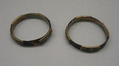 <em>Pair of Bracelets</em>, late 19th-early 20th century. Tortoise shell, silver, diam. 7.2 cm. Brooklyn Museum, Frank L. Babbott Fund, 37.371.132.1-.2. Creative Commons-BY (Photo: Brooklyn Museum, CUR.37.371.132.1-.2.jpg)