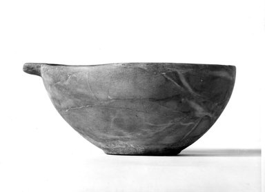<em>Spouted Bowl</em>, ca. 3100-2170 B.C.E. Magnesite marble, 3 1/4 x 5 11/16 x 7 13/16 in. (8.2 x 14.4 x 19.8 cm). Brooklyn Museum, Charles Edwin Wilbour Fund, 37.71E. Creative Commons-BY (Photo: Brooklyn Museum, CUR.37.71E_NegA_print_bw.jpg)