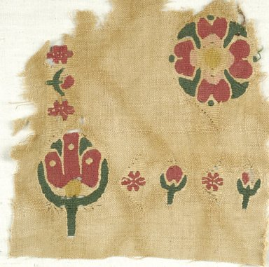 Coptic. <em>Fragment with Botanical Decoration</em>, 5th-6th century C.E. Flax, wool, 7 1/2 x 7 1/2 in. (19.1 x 19.1 cm). Brooklyn Museum, Charles Edwin Wilbour Fund, 38.667. Creative Commons-BY (Photo: Brooklyn Museum (in collaboration with Index of Christian Art, Princeton University), CUR.38.667_ICA.jpg)