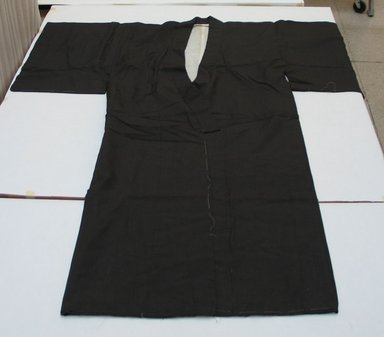 <em>Man's Kimono</em>, First half of 20th century. Silk, Armspan: 52 3/4 in. (134 cm). Brooklyn Museum, Museum Collection Fund, 40.151b. Creative Commons-BY (Photo: Brooklyn Museum, CUR.40.151B.jpg)