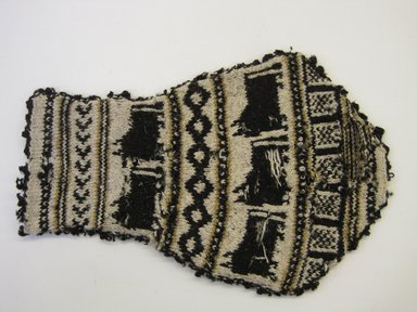 Possibly Aymara. <em>Bag</em>, 20th century. Wool, 7 1/4 × 11 5/8 in. (18.4 × 29.5 cm). Brooklyn Museum, Gift of Mrs. George Davidson, 41.1309.3. Creative Commons-BY (Photo: Brooklyn Museum, CUR.41.1309.3_side1.jpg)