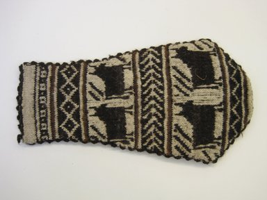 Possibly Aymara. <em>Bag</em>, ca. 1941. Wool, 7 1/16 x 11 13/16 in. (18 x 30 cm). Brooklyn Museum, Gift of Mrs. George Davidson, 41.1309.7. Creative Commons-BY (Photo: Brooklyn Museum, CUR.41.1309.7_side1.jpg)