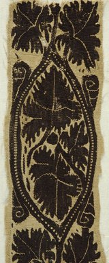 Coptic. <em>Band Fragment with Botanical Decoration</em>, 4th-5th century C.E. Flax, wool, 19 1/4 x 3 1/2 in. (48.9 x 8.9 cm). Brooklyn Museum, Gift of Pratt Institute, 41.810. Creative Commons-BY (Photo: Brooklyn Museum (in collaboration with Index of Christian Art, Princeton University), CUR.41.810_detail01_ICA.jpg)