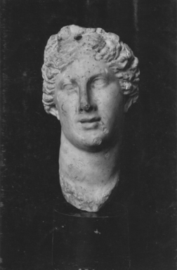 Greek. <em>Life Size Head of Aphrodite</em>. Marble Brooklyn Museum, Gift of Mrs. Felix M. Warburg in memory of her husband, 41.895. Creative Commons-BY (Photo: Brooklyn Museum, CUR.41.895_print_bw.jpg)