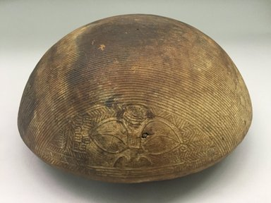 Marquesan. <em>Carved Lid (Tiha)</em>, before 1938. Wood, 4 1/4 x 9 1/4 in. (10.8 x 23.5 cm). Brooklyn Museum, A. Augustus Healy Fund, 42.211.120. Creative Commons-BY (Photo: Brooklyn Museum, CUR.42.211.120_view1.jpg)