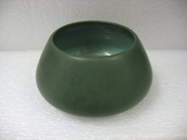 Marblehead Pottery (1905-1936). <em>Bowl</em>, after 1908. Glazed earthenware, height: 1 3/4 in. (4.4 cm); diameter: 3 1/2 in. (8.9 cm). Brooklyn Museum, Gift of Arthur W. Clement, 43.128.78. Creative Commons-BY (Photo: Brooklyn Museum, CUR.43.128.78.jpg)