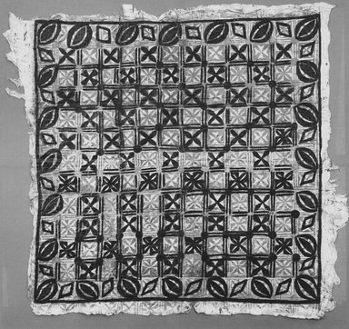 Samoan. <em>Tapa (Siapo tasina)</em>, late 19th-mid 20th century. Barkcloth, pigment, 51 3/16 x 49 3/16 in. (130 x 125 cm). Brooklyn Museum, Anonymous gift in memory of Dr. Harlow Brooks, 43.201.101. Creative Commons-BY (Photo: Brooklyn Museum, CUR.43.201.101_print_front_bw.jpg)