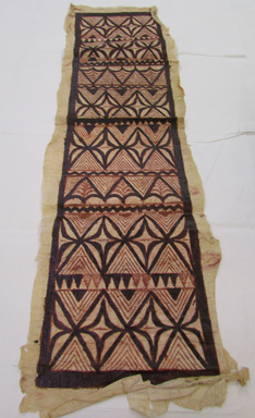 Samoan. <em>Tapa (Siapo tasina)</em>, late 19th-mid 20th century. Barkcloth, pigment, 16 13/16 × 55 7/16 in. (42.7 × 140.8 cm). Brooklyn Museum, Anonymous gift in memory of Dr. Harlow Brooks, 43.201.102. Creative Commons-BY (Photo: , CUR.43.201.102_overall.jpg)