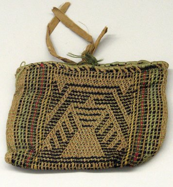 Hochunk. <em>Twined Medicine Bag with Thunderbird Design</em>. Bison wool, nettle fiber, yarn, 12.8 x 18 cm / 5 x 7 in. Brooklyn Museum, By exchange, 46.100.32. Creative Commons-BY (Photo: Brooklyn Museum, CUR.46.100.32_view1.jpg)