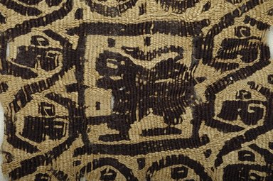 Coptic. <em>Square Fragment with Animal and Botanical Decoration</em>, 4th-5th century C.E. Linen, wool, 3 9/16 x 3 9/16 in. (9 x 9 cm). Brooklyn Museum, Gift of Pratt Institute, 46.157.24. Creative Commons-BY (Photo: Brooklyn Museum (in collaboration with Index of Christian Art, Princeton University), CUR.46.157.24_detail01_ICA.jpg)