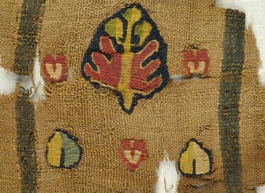 Coptic. <em>Border Fragment with Botanical Decoration</em>, 5th century C.E. Flax, wool, 8 11/16 x 4 1/2 in. (22 x 11.5 cm). Brooklyn Museum, Gift of Pratt Institute, 46.157.3. Creative Commons-BY (Photo: Brooklyn Museum (in collaboration with Index of Christian Art, Princeton University), CUR.46.157.3_detail01_ICA.jpg)