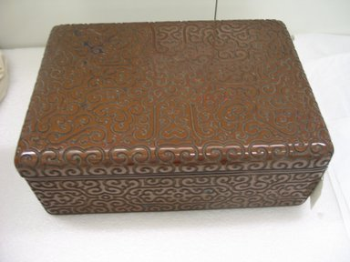 <em>Oblong Box</em>, 18th century. Lacquer, 6 1/8 x 12 1/8 x 17 1/8 in. (15.5 x 30.8 x 43.5 cm). Brooklyn Museum, Anonymous gift, 47.219.64a-b. Creative Commons-BY (Photo: Brooklyn Museum, CUR.47.219.64a-b.jpg)