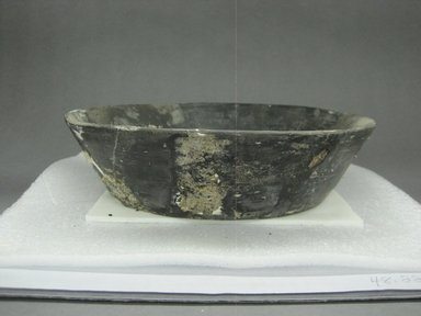 Zapotec. <em>Bowl</em>, 100-600. Ceramic, 2 3/8 x 9 3/16 x 9 3/16 in. (6 x 23.3 x 23.3 cm). Brooklyn Museum, By exchange, 48.22.29. Creative Commons-BY (Photo: Brooklyn Museum, CUR.48.22.29_view1.jpg)