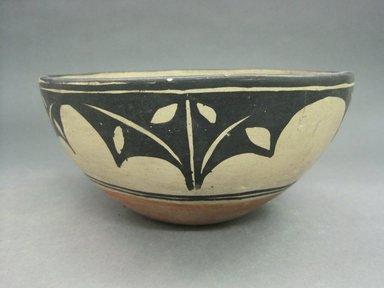 Kewa (Santo Domingo Pueblo). <em>Round Bowl</em>, 20th century. Clay, slip, 3 15/16 x 8 7/16 in.  (10.0 x 21.5 cm). Brooklyn Museum, Gift of Mary Johnson, 51.243.8. Creative Commons-BY (Photo: Brooklyn Museum, CUR.51.243.8.jpg)