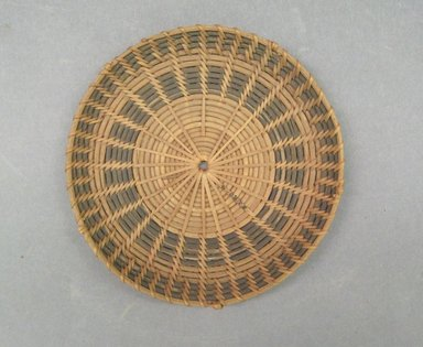 Possibly Zulu. <em>Work Tray</em>, 19th century. Vegetal fiber, 5/8in. (1.6cm). Brooklyn Museum, Bequest of Mrs. George Hadden, 52.80.4. Creative Commons-BY (Photo: Brooklyn Museum, CUR.52.80.4_top.jpg)