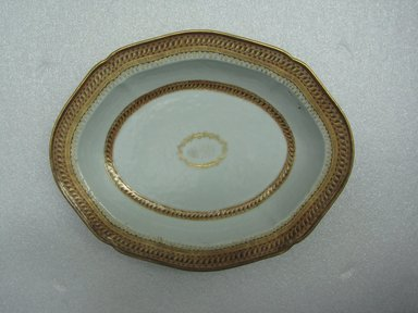 <em>Platter</em>, 1785-1800. Porcelain, 9 3/8 x 11 3/4 in. (23.8 x 29.8 cm). Brooklyn Museum, The Helena Woolworth McCann Trade Procelain Collection, Gift of the Winfield Foundation, 55.10.13. Creative Commons-BY (Photo: Brooklyn Museum, CUR.55.10.13_top.jpg)