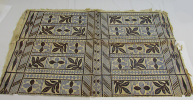Samoan. <em>Tapa (Siapo)</em>, late 19th-mid 20th century. Barkcloth, pigment, b: 53 9/16 × 66 1/8 in. (136 × 168 cm). Brooklyn Museum, Gift of Adelaide Goan, 55.96.104a-c. Creative Commons-BY (Photo: , CUR.55.96.104b_overall.jpg)