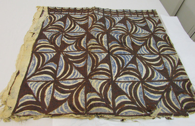 Samoan. <em>Tapa (Siapo)</em>, late 19th-mid 20th century. Barkcloth, pigment, b: 53 9/16 × 66 1/8 in. (136 × 168 cm). Brooklyn Museum, Gift of Adelaide Goan, 55.96.104a-c. Creative Commons-BY (Photo: , CUR.55.96.104c_overall.jpg)