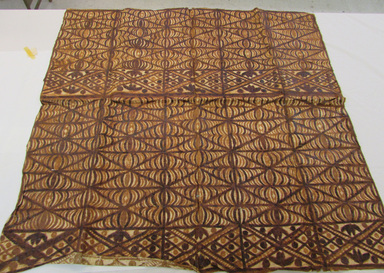 Samoan. <em>Tapa (Siapo)</em>, late 19th-mid 20th century. Barkcloth, pigment, a: 48 1/4 × 49 3/16 in. (122.5 × 125 cm). Brooklyn Museum, Gift of Adelaide Goan, 55.96.106. Creative Commons-BY (Photo: , CUR.55.96.106a_overall.jpg)