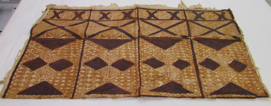 Samoan. <em>Tapa (Siapo)</em>, late 19th-mid 20th century. Barkcloth, pigment, a: 48 1/4 × 49 3/16 in. (122.5 × 125 cm). Brooklyn Museum, Gift of Adelaide Goan, 55.96.106. Creative Commons-BY (Photo: , CUR.55.96.106b_overall.jpg)