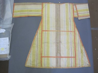 <em>Tunic</em>, late 19th-mid 20th century. Silk, cotton, 39 1/4 x 56 1/4 in. (99.7 x 142.9 cm). Brooklyn Museum, Gift of Adelaide Goan, 55.96.16. Creative Commons-BY (Photo: Brooklyn Museum, CUR.55.96.16.jpg)