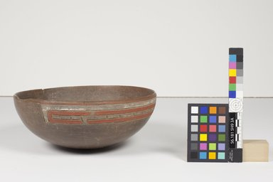 Paracas Cavernas. <em>Painted Bowl with Incised Designs</em>, 500-300 B.C.E. Ceramic, 3 1/2 x 8 11/16 x 8 11/16 in. (8.9 x 22 x 22 cm). Brooklyn Museum, Gift of John Wise, 56.181. Creative Commons-BY (Photo: Dawn Lohnas, CUR.56.181_Dawn_Lohnas_photograph.jpg)