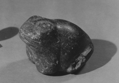 <em>Statuette of a Frog</em>, ca. 3100-2800 B.C.E. Steatite, 2 15/16 × 4 5/16 in. (7.4 × 11 cm). Brooklyn Museum, Charles Edwin Wilbour Fund, 57.165.2. Creative Commons-BY (Photo: Brooklyn Museum, CUR.57.165.2_NegID_57.165.2_GRPA_print_cropped_bw.jpg)