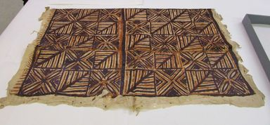 Samoan. <em>Tapa (Siapo)</em>. Barkcloth, pigment, 49 1/2 x 59 in. (125.7 x 149.9 cm). Brooklyn Museum, Gift of Adelaide Goan, 64.114.120 (Photo: , CUR.64.114.120_overall.jpg)