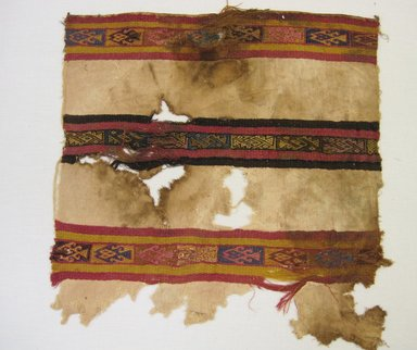 Chimú. <em>Textile Fragment, undetermined</em>, 1000-1532. Cotton, camelid fiber, 15 9/16 × 16 in. (39.5 × 40.6 cm). Brooklyn Museum, Gift of Adelaide Goan, 64.114.173 (Photo: , CUR.64.114.173.jpg)