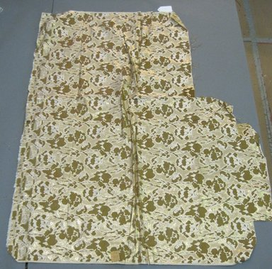 Onondaga Silk Company, Inc. (1925-1981). <em>Textile Swatches</em>, 1948-1959. Silk, 47 3/4 x 39 in. (121.3 x 99.1 cm). Brooklyn Museum, Gift of the Onondaga Silk Company, 64.130.712 (Photo: Brooklyn Museum, CUR.64.130.712.jpg)