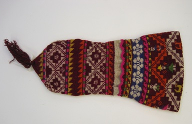 Quechua. <em>Hat</em>. Wool, 9 × 20 3/4 in. (22.9 × 52.7 cm). Brooklyn Museum, Gift of Dr. Werner Muensterberger, 64.210.8. Creative Commons-BY (Photo: , CUR.64.210.8.jpg)