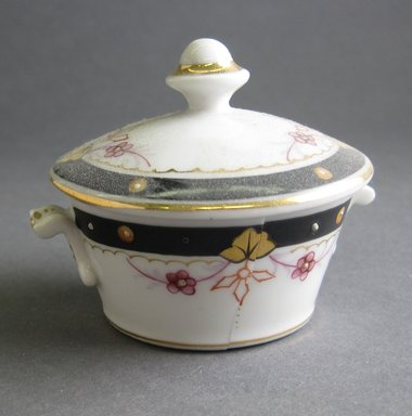 <em>Child's Covered Bowl and Cover</em>, ca. 1880. Porcelain, 2 1/2 x 2 1/4 in. (6.4 x 5.7 cm). Brooklyn Museum, Gift of Amelia Beard Hollenback, 66.25.9a-b. Creative Commons-BY (Photo: Brooklyn Museum, CUR.66.25.9a-b.jpg)
