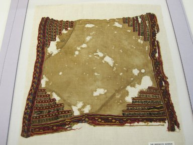 Coastal Wari (Attributed by Nobuko Kajitani, 1993). <em>Mantle, Fragment or Textile Fragment, Undetermined</em>, 600-1400. Cotton, camelid fiber, (33.0 x 33.5 cm). Brooklyn Museum, Gift of Adelaide Goan, 67.159.53. Creative Commons-BY (Photo: Brooklyn Museum, CUR.67.159.53.jpg)