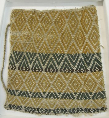 Coastal Wari (attrib by Nobuko Kajatani, 1993). <em>Bag</em>, 600-1400. Cotton, camelid fiber, 7 1/16 x 7 1/16 in. (18 x 18 cm). Brooklyn Museum, Gift of Ernest Erickson, 70.177.48. Creative Commons-BY (Photo: Brooklyn Museum, CUR.70.177.48.jpg)