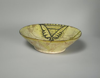 <em>Bowl</em>, late 10th century. Glazed earthenware, 2 9/16 x 8 3/8 in. (6.5 x 21.2 cm). Brooklyn Museum, Gift of Mr. and Mrs. Charles K. Wilkinson, 75.117.2. Creative Commons-BY (Photo: Brooklyn Museum, CUR.75.117.2.jpg)