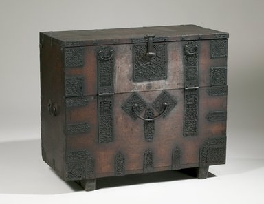 <em>Chest</em>, late 19th-early 20th century. Wood, metal plates, 27 15/16 x 33 1/2 x 16 1/16 in. (71 x 85.1 x 40.8 cm). Brooklyn Museum, Gift of Dr. Frederick Baekeland, 79.249.4. Creative Commons-BY (Photo: Brooklyn Museum (in collaboration with National Research Institute of Cultural Heritage, , CUR.79.249.4_front_Collins_photo_NRICH.jpg)