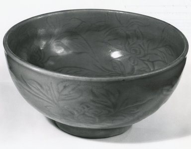 <em>Bowl</em>, 1368-1644. Celadon porcelain, 3 3/4 x 8 in. (9.5 x 20.3 cm). Brooklyn Museum, Gift of Dr. John P. Lyden, 80.275.10. Creative Commons-BY (Photo: Brooklyn Museum, CUR.80.275.10_bw.jpg)