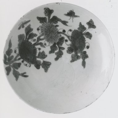<em>Plate</em>, late 16th-early 17th century. Porcelain with cobalt-blue underglaze decoration, 1 7/16 x 8 1/8 in. (3.7 x 20.6 cm). Brooklyn Museum, Gift of Dr. John P. Lyden, 81.296.2. Creative Commons-BY (Photo: Brooklyn Museum, CUR.81.296.2_bw.jpg)
