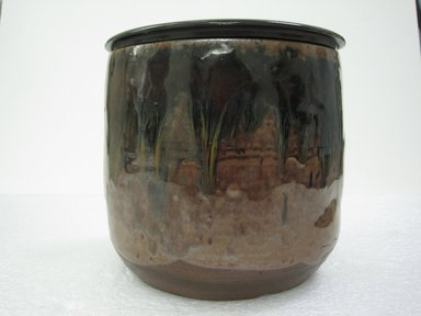 <em>Mizusashi (Tea-Ceremony Fresh Water Jug)</em>, 18th century. Stoneware, Shidoro ware, 5 1/2 x 6 1/4 in. (14 x 15.9 cm). Brooklyn Museum, Gift of Dr. Ellen Pan, 83.189.2. Creative Commons-BY (Photo: Brooklyn Museum, CUR.83.189.2a-b_side.jpg)