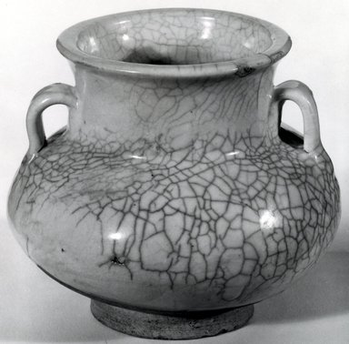 <em>Juluxian Jar</em>. Buff stoneware, 3 3/4 x 4 in. (9.5 x 10.2 cm). Brooklyn Museum, Gift of Dr. Ralph C. Marcove, 84.198.19. Creative Commons-BY (Photo: Brooklyn Museum, CUR.84.198.19_bw.jpg)