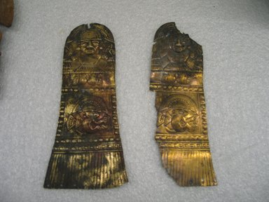 Chimú. <em>Repousse Plaque</em>, 1100-1500. Hammered gold, 7 x 2 1/2 in. (17.8 x 6.4 cm). Brooklyn Museum, Gift of the Ernest Erickson Foundation, Inc., 86.224.25b. Creative Commons-BY (Photo: Brooklyn Museum, CUR.86.224.25b.jpg)