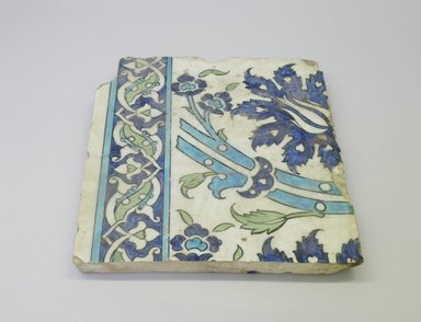 <em>Tile</em>, second half 16th century. Ceramic, transparent colorless glaze, cobalt-blue and turquoise underglaze, off-white body, 9 5/16 x 10 5/16 in. (23.6 x 26.2 cm). Brooklyn Museum, Gift of the Ernest Erickson Foundation, Inc., 86.227.199. Creative Commons-BY (Photo: Brooklyn Museum, CUR.86.227.199.jpg)